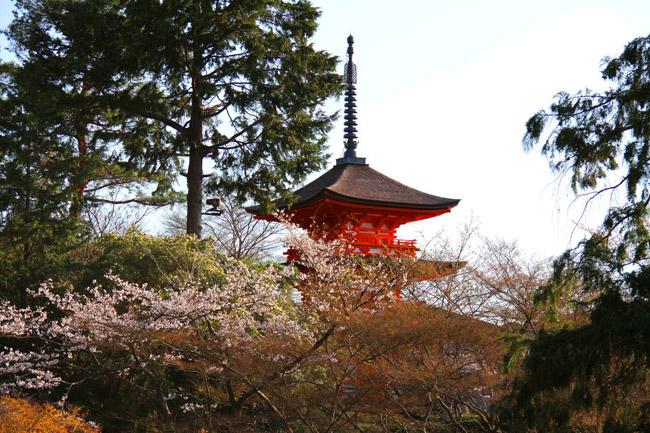 Pagode à trois étages du Kiyomizu-dera