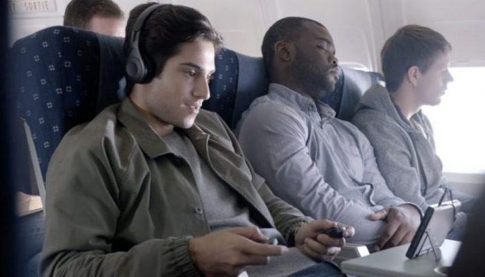 10 trucs infaillibles pour passer le temps en avion planete maneki - Film porte avion voyage dans le temps ...