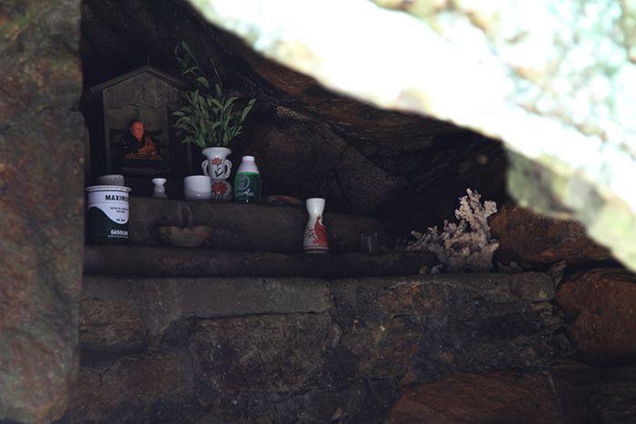 Petite grotte où on cachait les objets lithurgiques